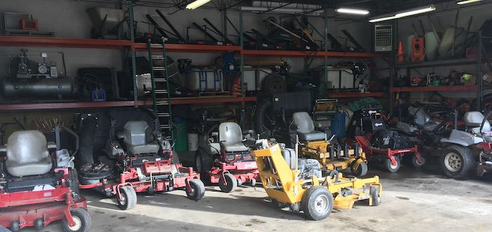Stump grinding equipment